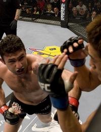 【UFC94】決め手欠く両者にブーイングも、カロ判定勝利