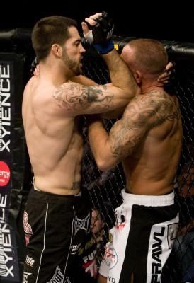 【UFC96】ブラウン勝利もレフェリーに罰金モノの誤審