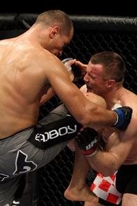 【UFC103】ミルコ、ドスサントスに言い訳のきかない完敗