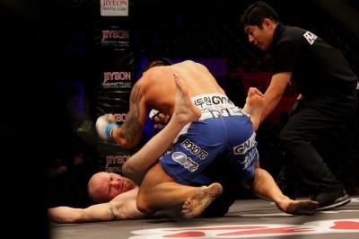 【RFC15】ヨアキム・ハンセンが、ソ・ドゥウォンに15秒KO負け