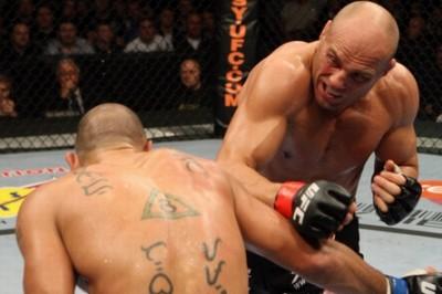 【UFC105】46歳クートゥアー勝利、ハーディはGSP挑戦へ