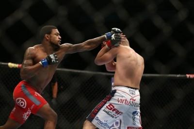 【UFC FOX12】トムソン凱旋試合は、絶好調ジョンソンと
