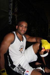 【UFC92】長南と戦うブラックバーン・インタビュー