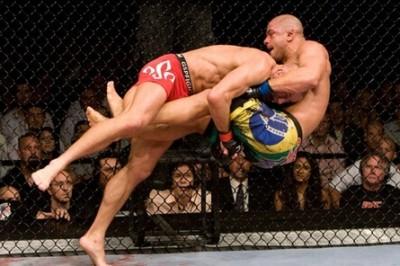 【UFC100】GSP、完璧なゲームコントロールで王座防衛