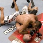 【UFC100】ダン・ヘン大勝、ビスピンを完全KO