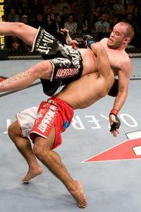 【UFC107】プレリミナリーの注目カードは、2試合!!