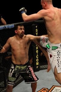 【UFC107】シュトゥルーフ、勝利にも謙虚「ドローだと思う」