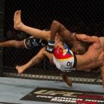 【UFC LIVE】新鋭ジョーンズ、難なくベラを退ける