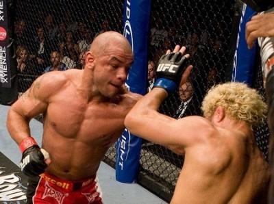 【UFC90】アンデウソン、戸惑いの勝利