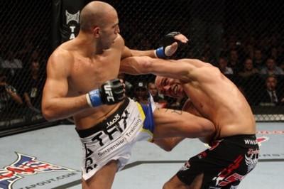 【UFC105】46歳クートゥアー、約2年振りの勝ち名乗り