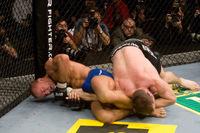 【UFC79】ヒューズを圧倒、GSPが暫定王者に!
