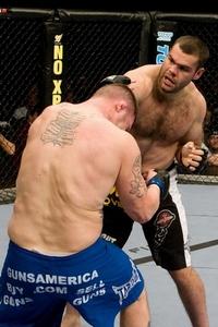 【UFC91】ゴンザガ、ヘンドリックスを61秒TKO葬