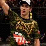 【UFC93】ハサウェイ、バックからのエルボーで完勝