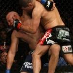 【UFC104】ベラスケス勝利も異論残るレフェリーストップ