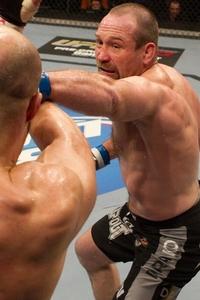 【UFC LIVE】39歳、出戻りの元IFL王者が復帰後2戦2勝