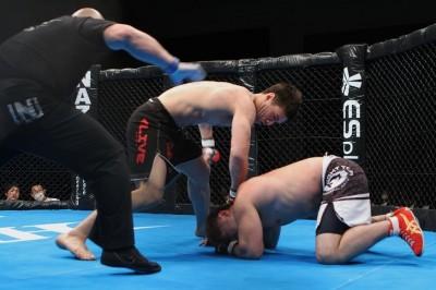【HEAT】名古屋発金網MMAで、北斗の王者・加藤がデビューWIN