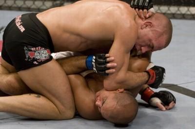 【UFC94】GSP×BJ、現役王者同士の対戦は一方的に