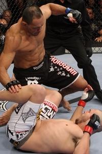 【UFC106】ノゲイラ弟がカーン退け、UFCデビューウィン
