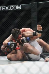 【OFC02】ボブ・サップ、ホーレスにトホオ…秒殺TKO負け