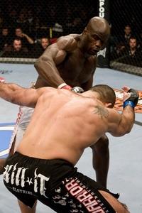 【UFC92】カンゴ、アルトゥルクに報復の金的?