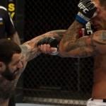 【UFC LIVE】サカラ、ステップワークでアーヴィンを翻弄
