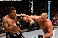 """【UFC79】""""不運な""""サンチェス、手堅く勝利"""
