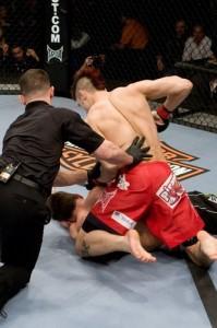 【UFC95】地元の大歓声を味方にハーディが快勝