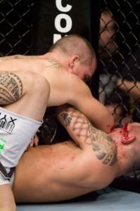 【UFC95】試合終盤に失速するも、ケリーが逃げ切り成功