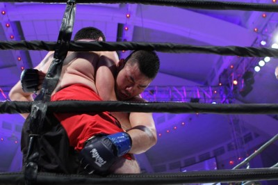 【写真】四つからのテイクダウンの強さに定評のある辰巳豪人(C)MMAPLANET
