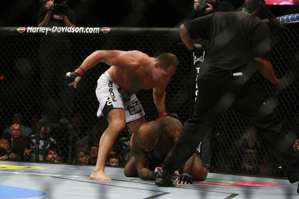 01 02 UFC 10