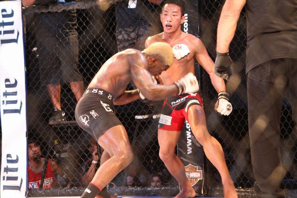 Kwak vs Trevin Jones