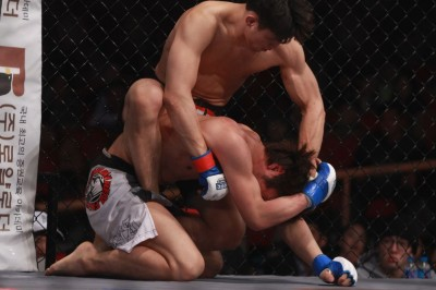 Kim Dong Hyun vs TOSHI