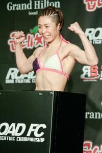 【写真】日本の女子選手でここまで筋肉質なファイターはいない(C)SHOJIRO KAMEIKE