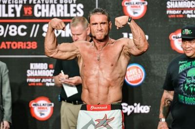 【Bellator138】公開計量終了。ケン・シャムロック、51歳とは思えぬ肉体美を披露