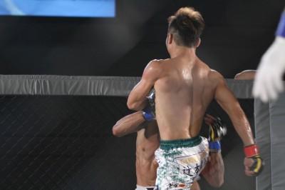 Nakamura's Knee kick