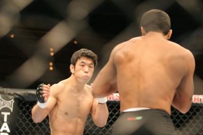 【写真】2007年の初陣から足掛け8年、小谷はオクタゴンでの初勝利を手することはできるか(C)MMAPLANET