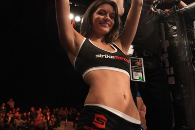 【Monday Ring Girl】Strikeforce「Rockhold vs Jardine」