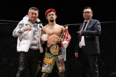 【写真】INDY二冠、独特のポジションを確立した感のあるチャンピオン手塚(C)TAKUMI NAKAMURA