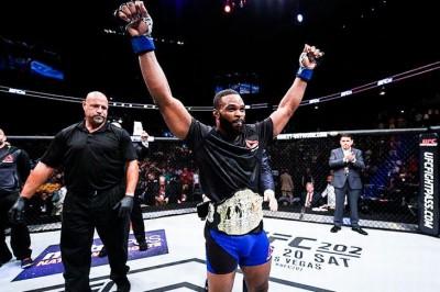 【UFC201】試合結果 ローラーを殴り倒し、ウッドリーが新王者に。エレンバーガーは初回KO勝ち