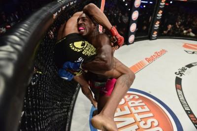 【Bellator163】試合結果 元UFCデイビス、一方的な内容でベラトール王座奪取。ハリトーノフ16秒で沈む