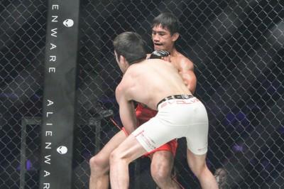 【ONE48】試合結果 青木真也TKO負け……フォラヤンの飛びヒザ→パウンドに沈む。朴光哲は白星得る