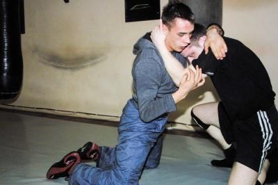 カウナスのボーリング場にあったティターナス・ジムでの練習。組み技にも当然取り組んでいた