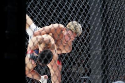 【Shooto】試合結果 斎藤、グランディに完敗。佐藤は挑戦権獲得&超世代闘争は若手=覇彌斗と青井が制す
