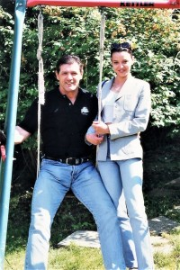 1998年5月、この年の8月に結婚式を挙げる直前のブランコと、婚約者時代のイワナさん。確かにブランコさん、格好良すぎる43歳(C)MMAPLANET