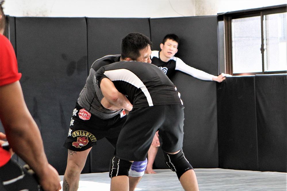 Takaya vs Uno
