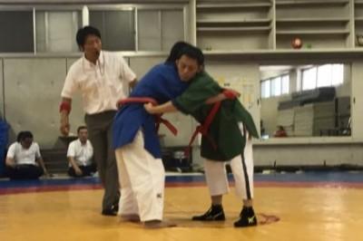 Belt wrestling