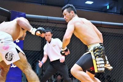 【Deep Cage】住村×長谷川戦の最終ジャッジは、事故判定(3-0)により住村の勝利