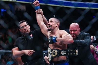 【UFC213】試合結果 ロバート・ウィティカー、キウイ初のUFC世界チャンピオンに!!