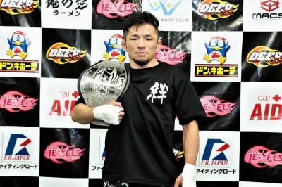 【DEEP79】新DEEPストロー級チャンピオン越智晴雄 「苦しい試合は想定内」
