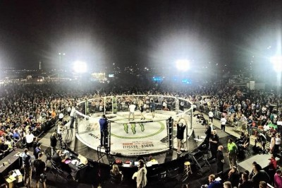 【Bellator MMA Fight Series 03 】試合結果 立ち見大観衆の前でピアースがジョンソン下す